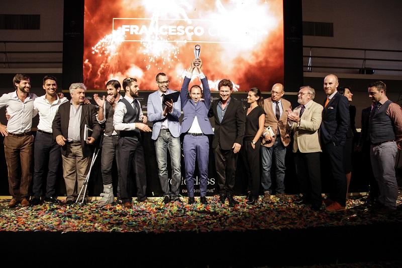 Francesco Cione al momento dell'incoronazione a miglior bartender del 2015