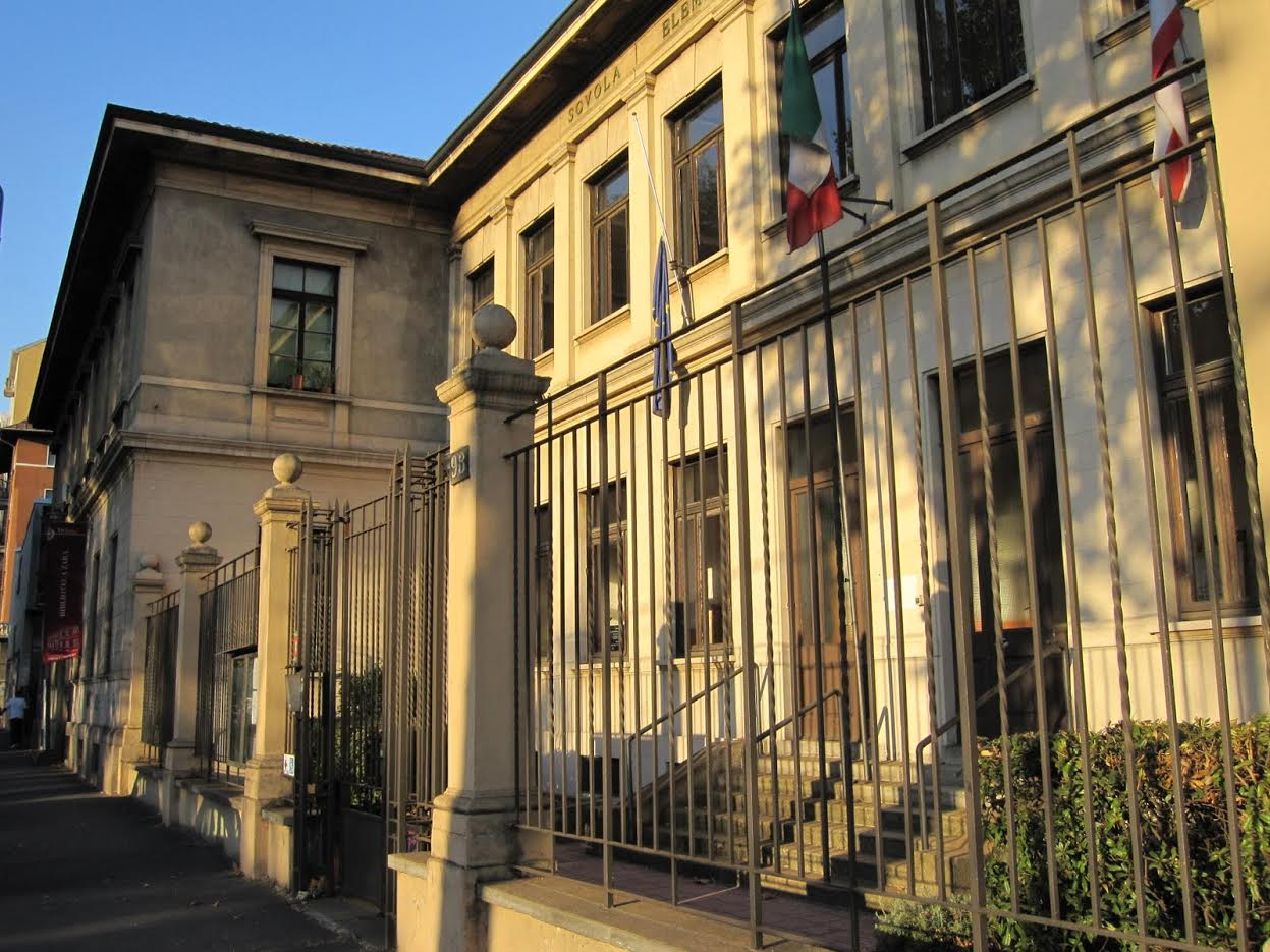 Biblioteca zara milano zero for Zara home a milano