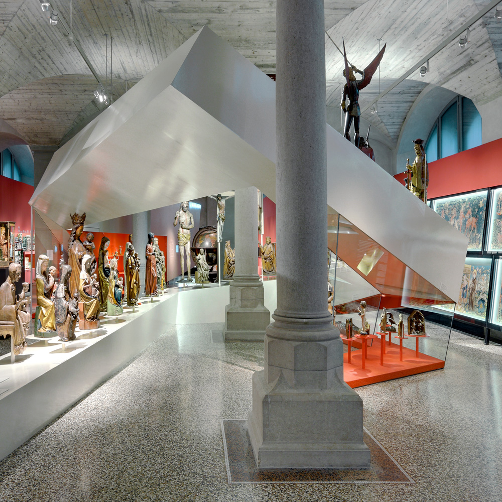 15_Galerie-Sammlung_Saeule