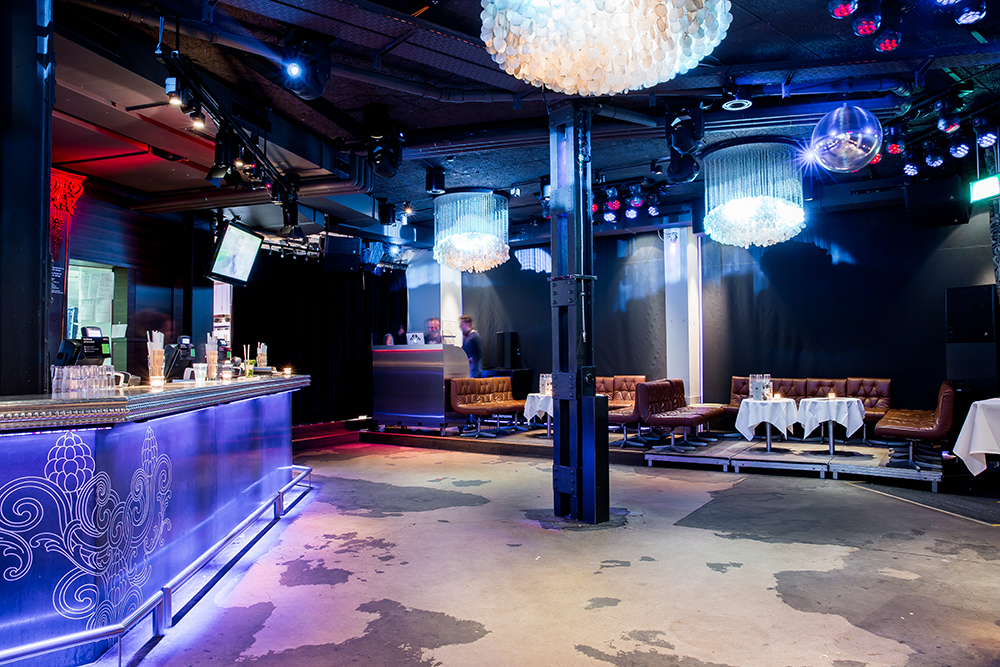 Club floor - overview