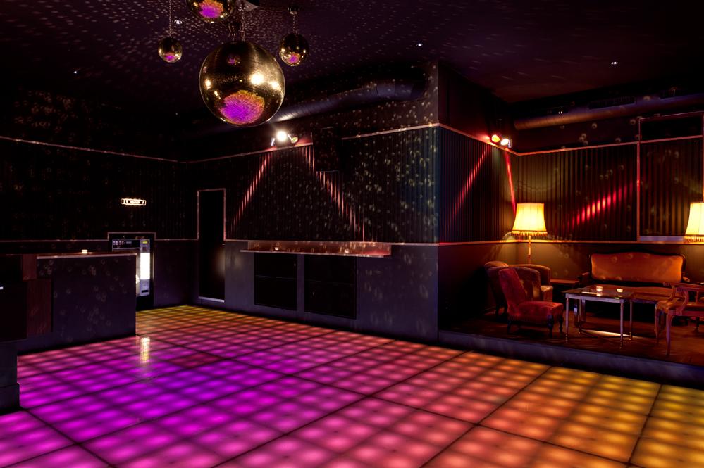 plaza; bar; club; innenaufnahmen