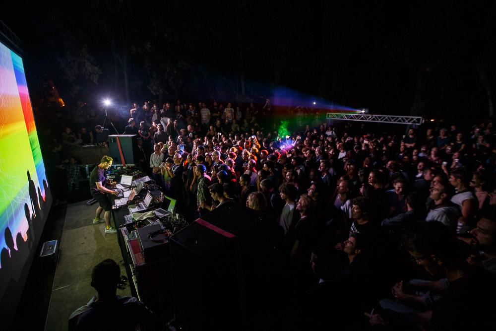 Alva Noto e il pubblico del Campfire. Foto di Alberto Novelli.