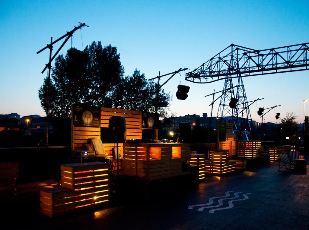Il bar estivo Docks, a firma Orizzontale.