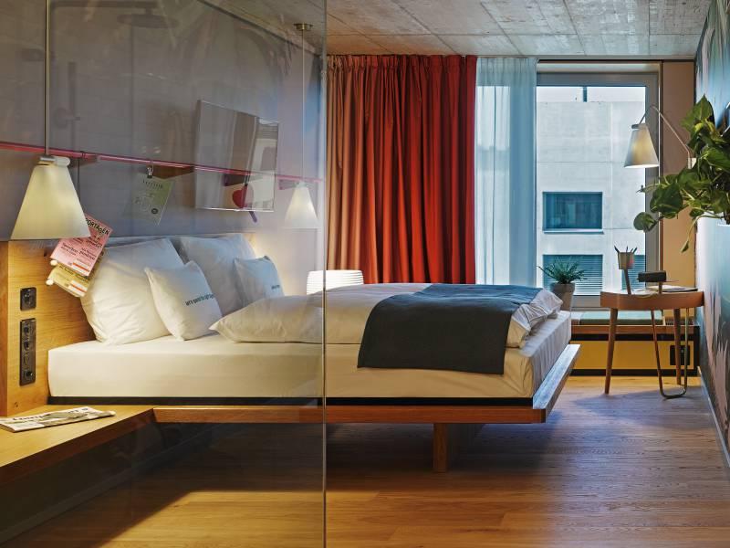 4912_8_25hours_Hotel_Zurich_Langstrasse_L-Room_1