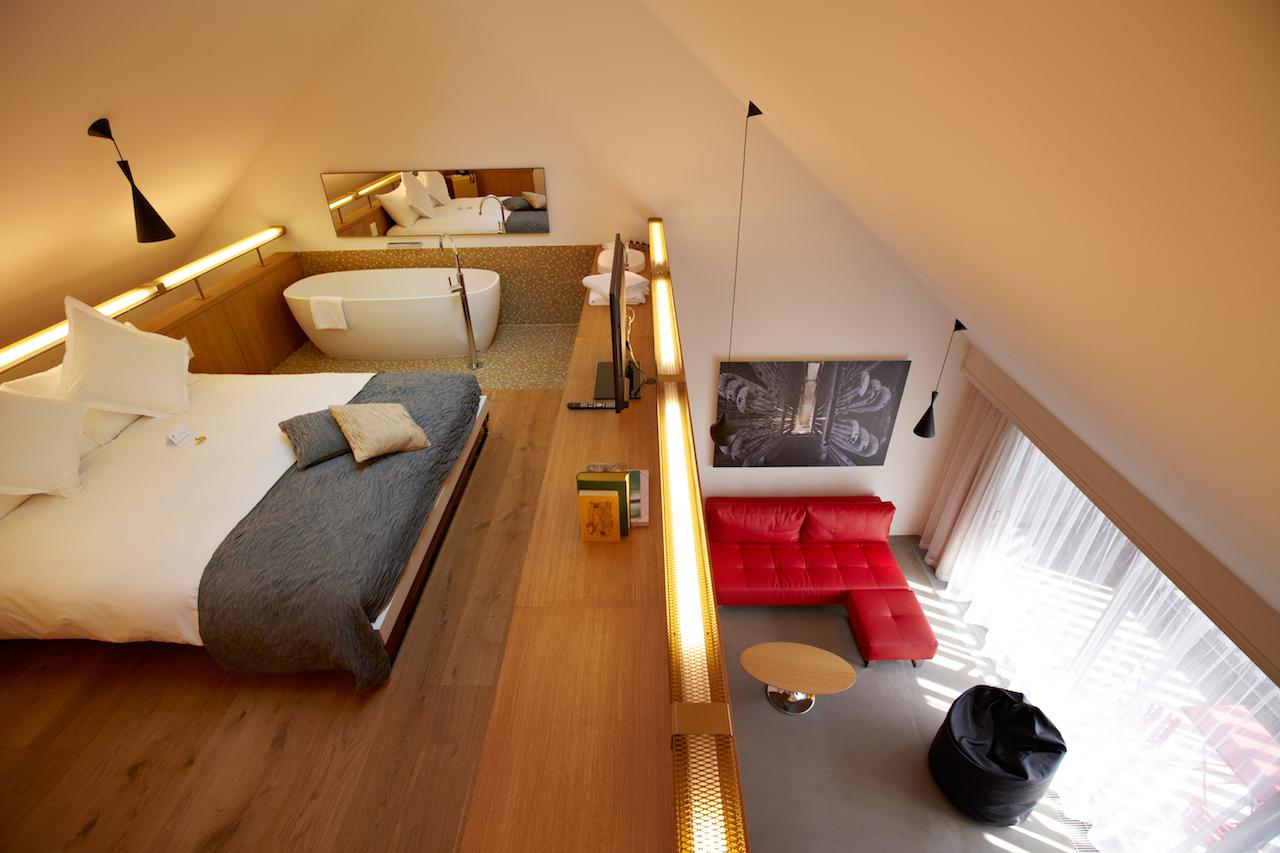 B2-Boutique-Hotel-Spa_Zurich_Medienbild_Huerlimann-Suite_Galerie