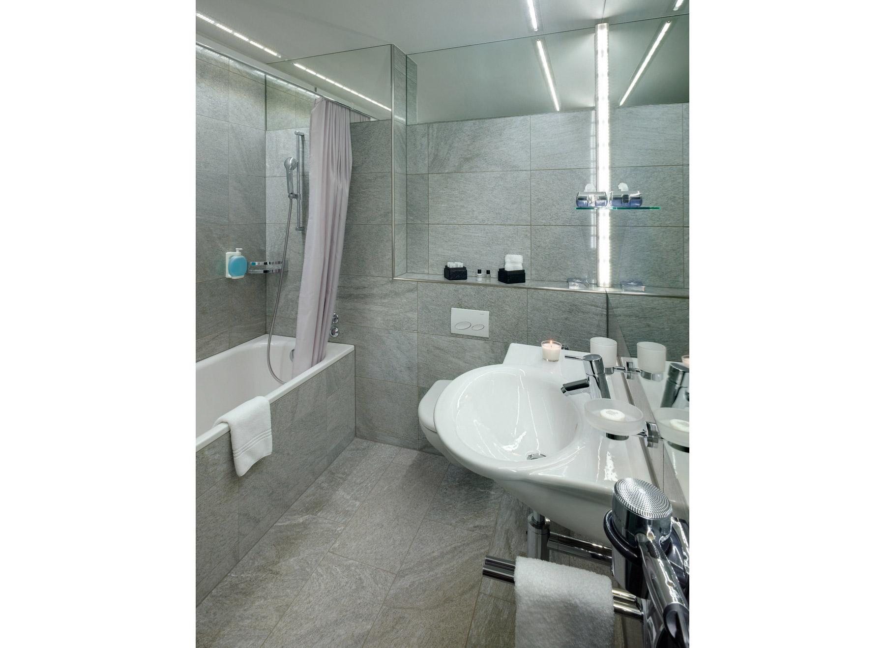 Einzelzimmer-Superior-Badezimmer