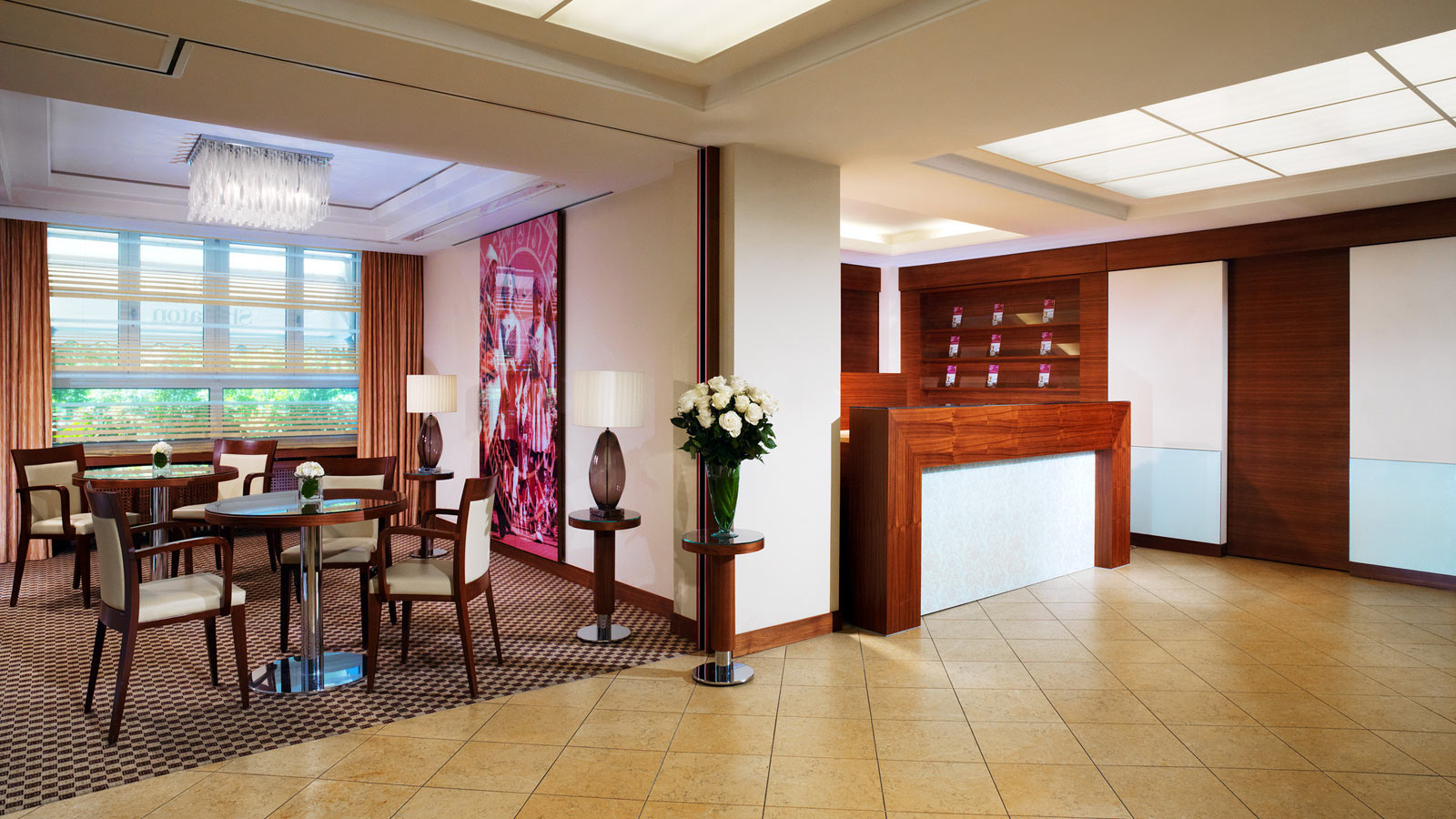 Sheraton-Zrich-Neues-Schloss-Hotel-Front-Office