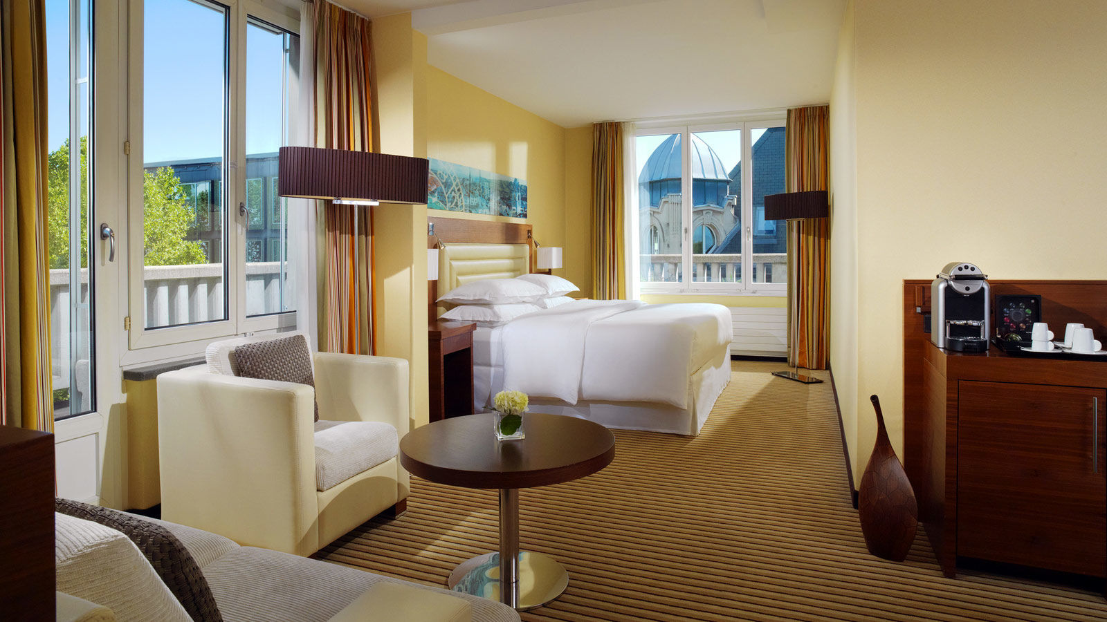 Sheraton-Zrich-Neues-Schloss-Hotel-Junior-Suite