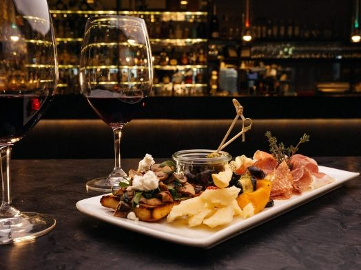 Sheraton-Zurich-Antipasti-with-wine