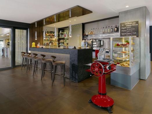 Sheraton-Zurich-Hotel-Cafe-Bar-Nuovo