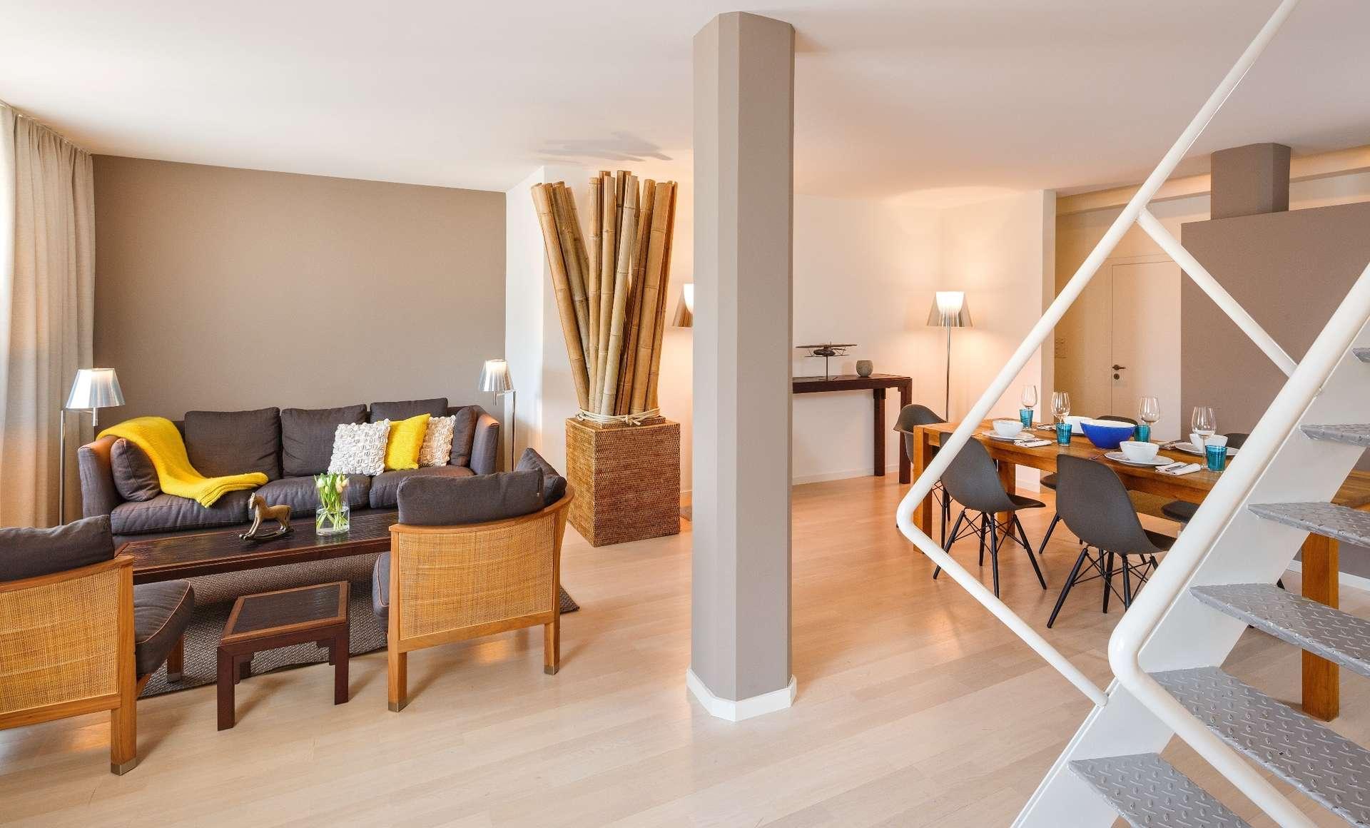 csm_Hotel_Roessli_Zuerich_Schweiz_Apartment_Treppe_Wohnzimmer_esszimmer_f01e32b728