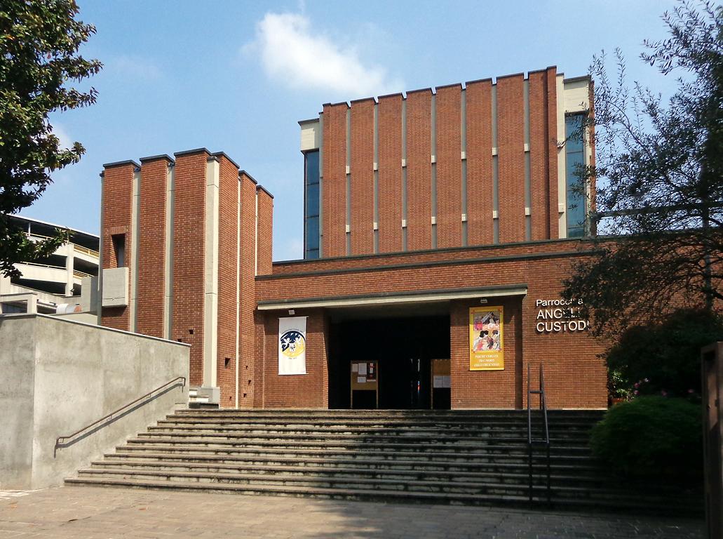 Milano_chiesa_Santi_Angeli_Custodi_facciata