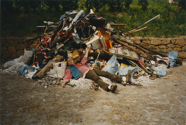 Public Monument for the Birthday of Rome 1997 installation, 250 x 450 x 250 cm ph. (C) Claudio di Carlo