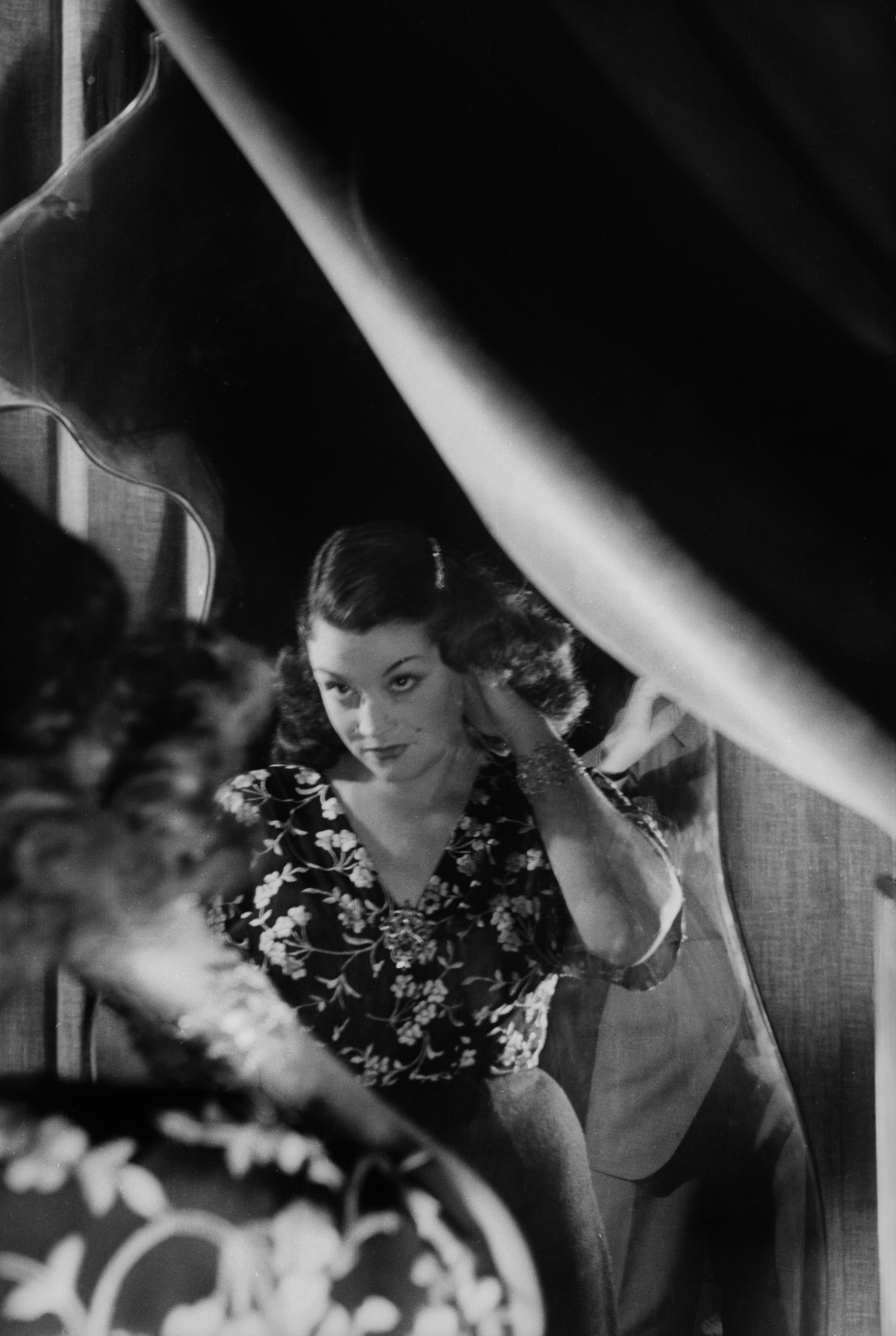 Donna allo specchio_Carlo Mollino 1941