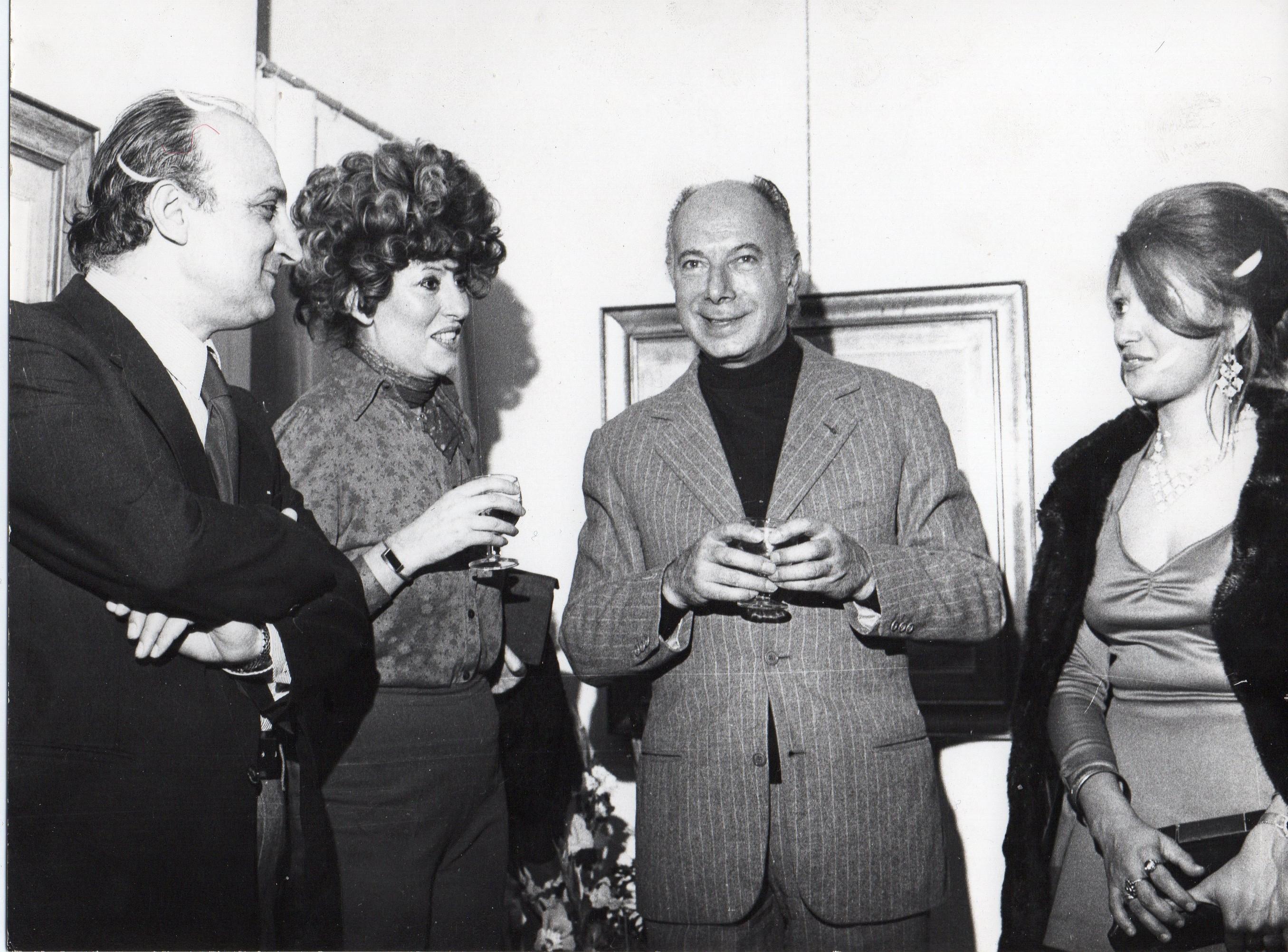 Rosanna Bianchi Piccoli (seconda da sinistra) con Ernesto Calindri (terzo da sinistra) con amici