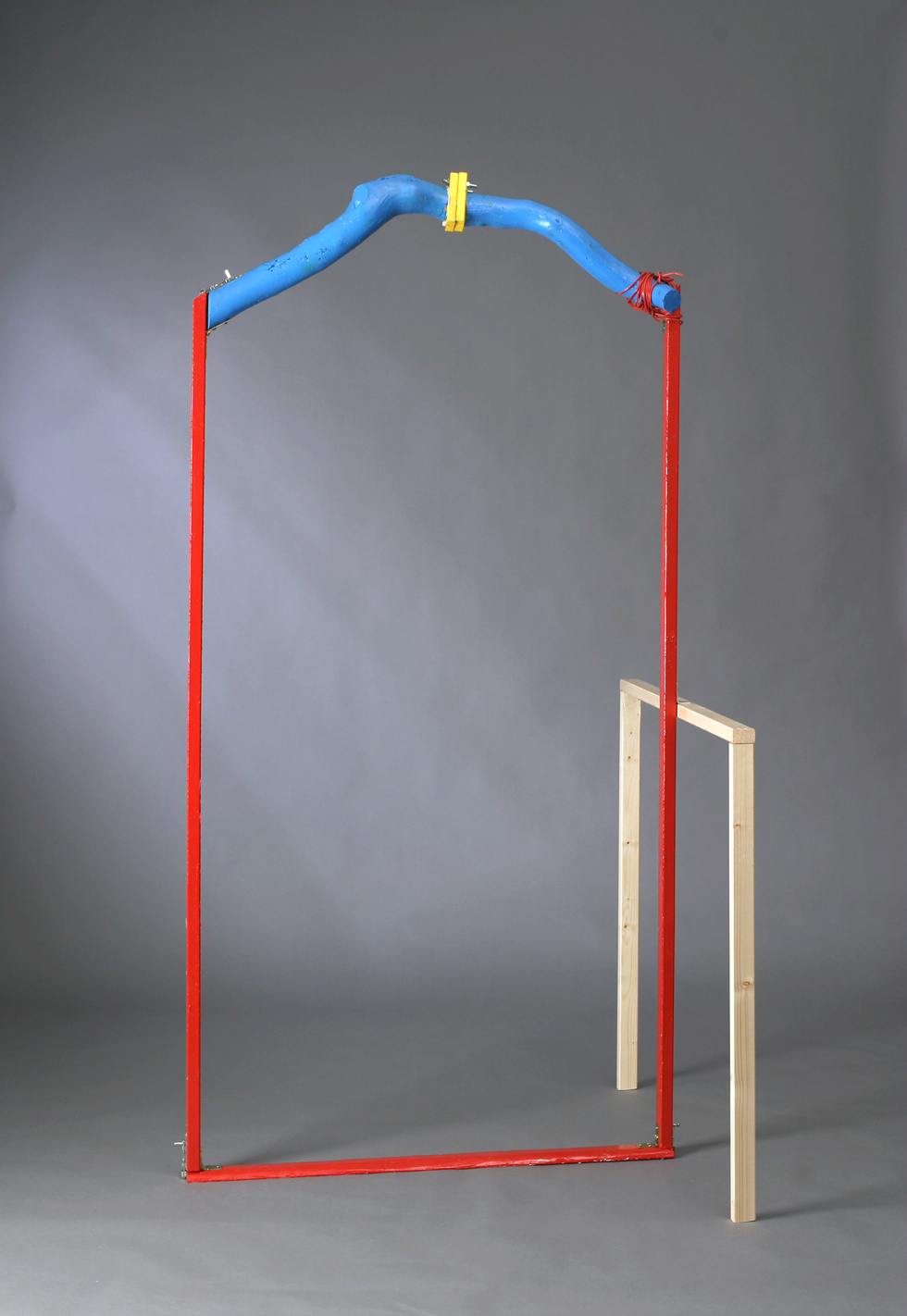 Jimmie Durham Arc de Triomphe for Personal Use 1997 wood, acrylic paint, metal, string aprox. 220 x 90 x 80 cm