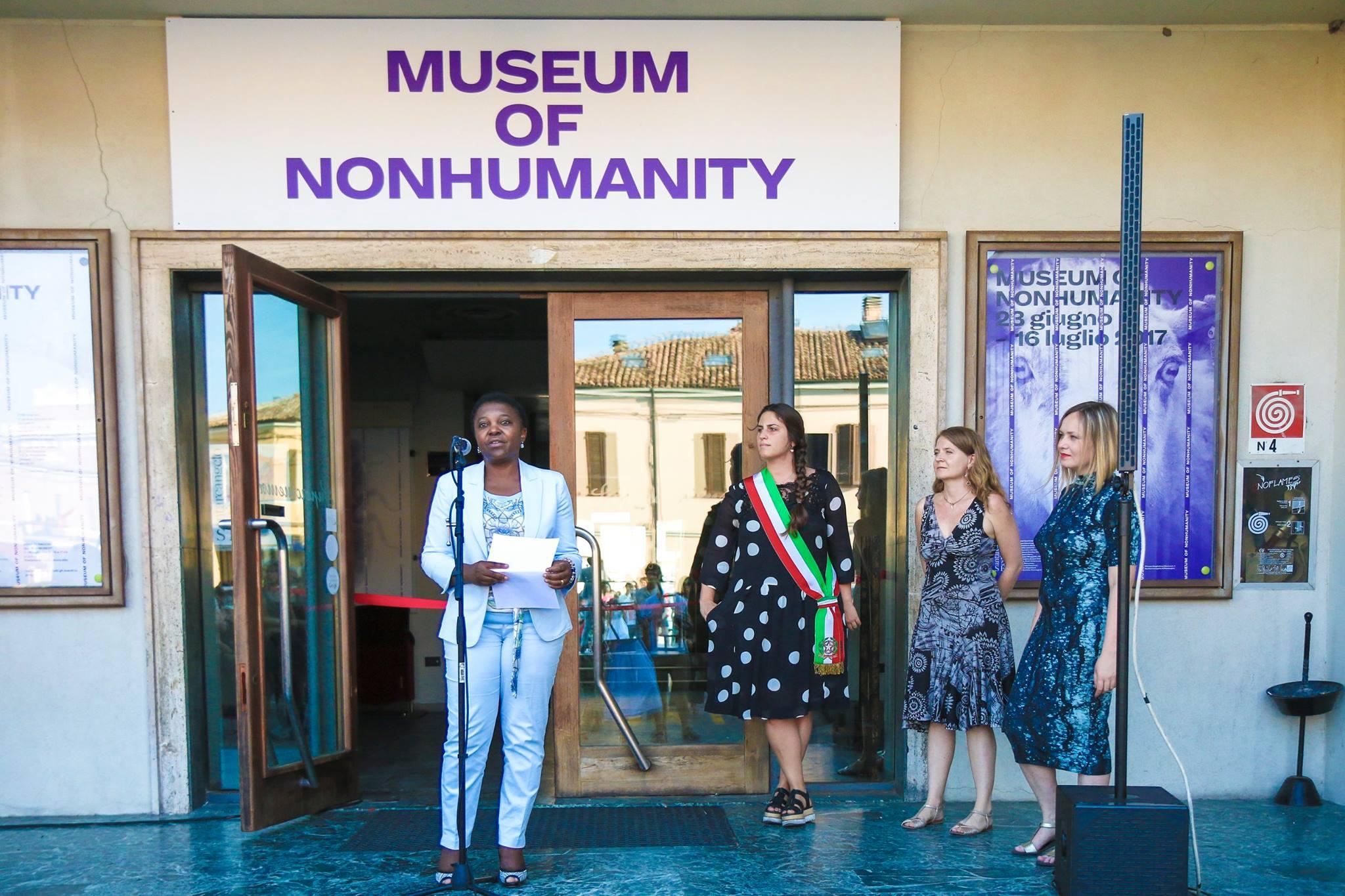 L'apertura del Museo della Non-umanità alla presenza dell'ex Ministro per l'integrazione,  Cécile Kyenge Kashetu, e del Sindaco di Santarcangelo, Alice Parma