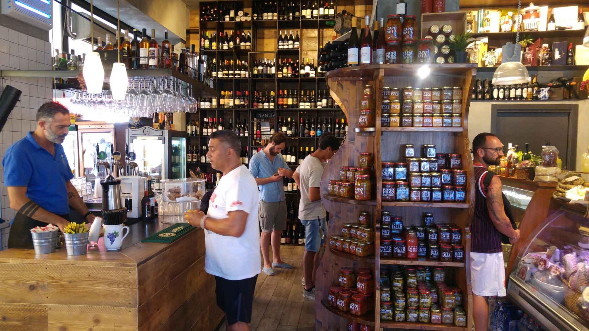 Fratelli Burgio al mercato di Ortigia - pic. by Scatti di gusto